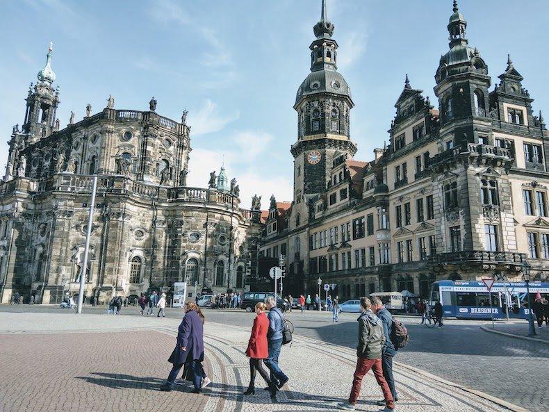 73 года бомбардировке Дрездена англо-американской авиацией