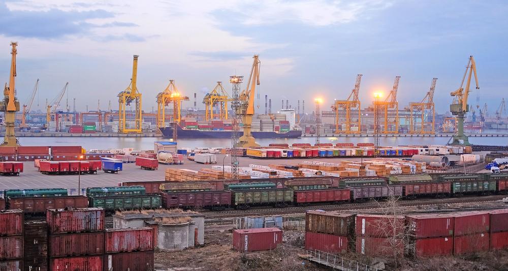 Россия на пути к рекордному сальдо торгового баланса