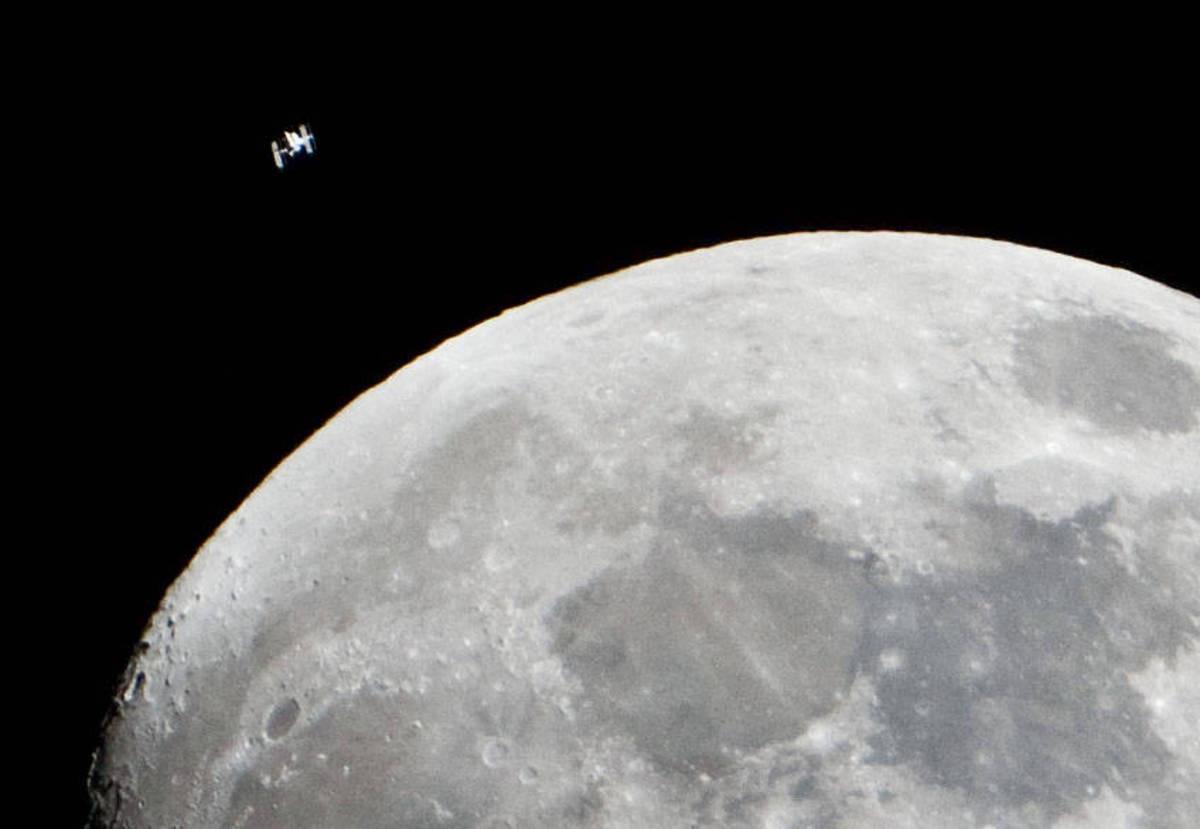 В Роскосмосе рассказали о корабле для полетов на Луну