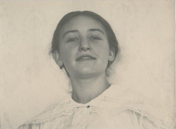 Женский портрет. Б. Троицкий, 1914 год, г. Киев, из архива Союза фотохудожников России.