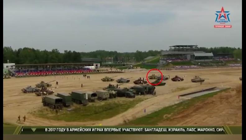 Сборная Уганды по танковому биатлону развернула танк в сторону...трибун