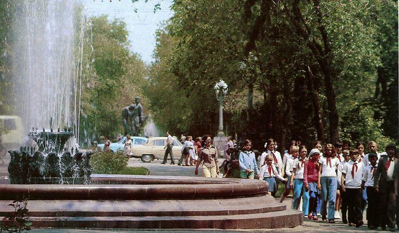 30 чудесных фото из Волгограда 80-х