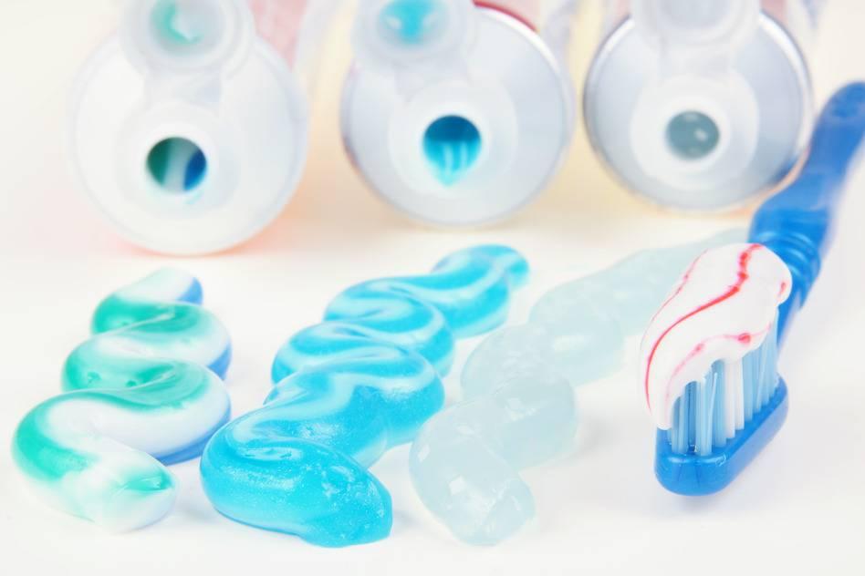 Что должно входить в состав зубной пасты