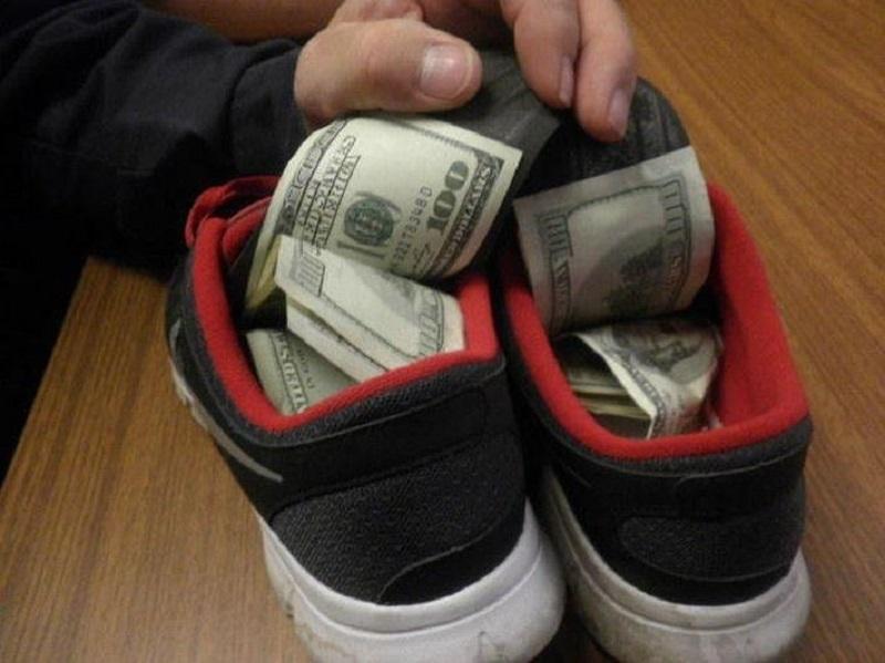 в обуви