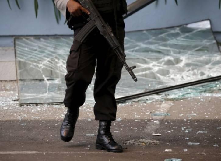 В Индонезии прогремели два взрыва
