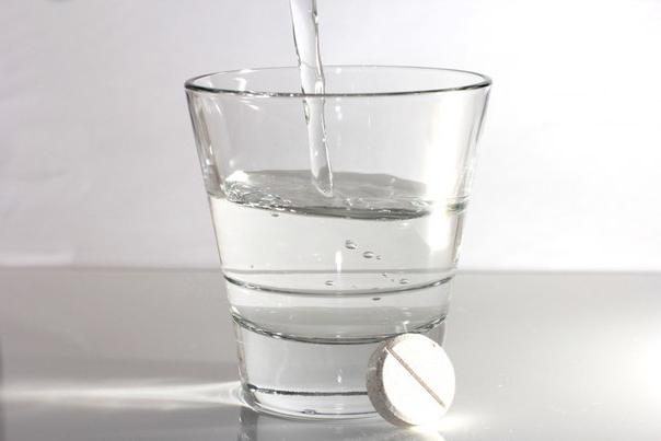 Лекарство из аспирина при варикозном расширении вен, остеохондрозе, пяточных шпорах, мозолях и натоптышах