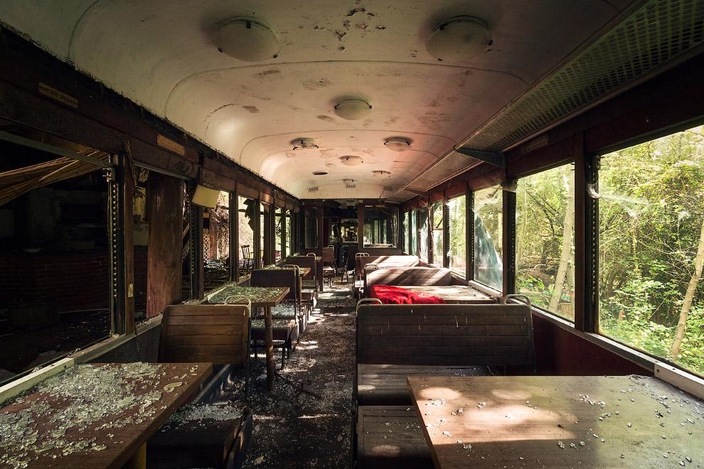 Есть в Италии и колоритные заброшенные поезда