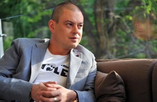 Майдан пожирает своих детей: Киев выслал вРоссию автора мема «колорады»