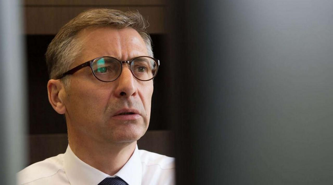 Не вынес пенсионной реформы: В Москве вышел из окна топ-менеджер металлургического комбината