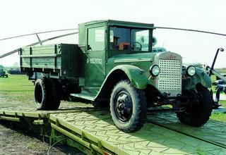 Грузовой автомобиль ЗИС – 5 (экспозиция технического музея ВАЗа)