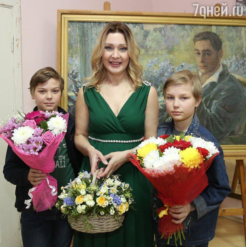 Вячеслав Тихонов  актер  биография анкета фото видео