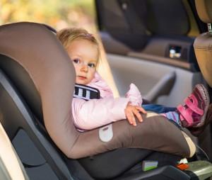 Укачивает в транспорте ребенка — что делать?
