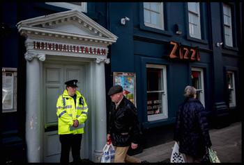 В МИД России не исключают, что британские власти насильно удерживают Скрипалей