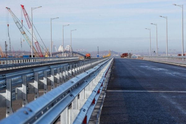 «Киев против лучших в мире систем ПРО и ПВО?»: эксперт высмеял угрозы Украины в адрес Крымского моста