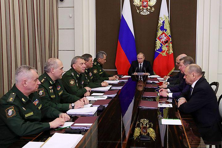 Путин обсудил оружие будущего