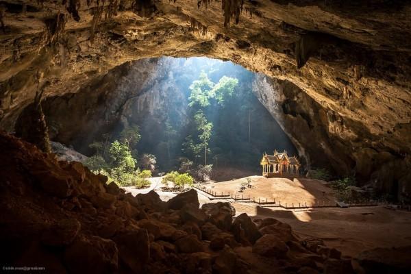 Инсайдеры о сотовидной подземной структуре Земли и ее обитателях