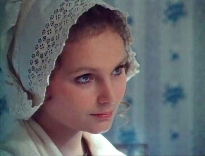 Татьяна Паркина в фильме *Красное и черное*, 1976   Фото: kino-teatr.ru
