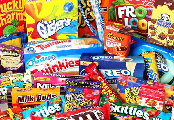 Как американцы кормили русских школьников просроченными шоколадками
