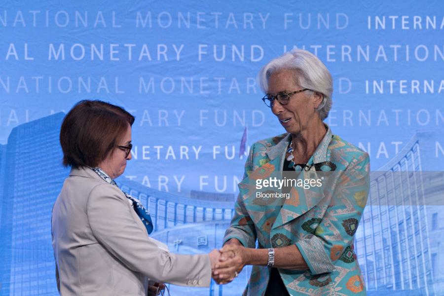 О хищнице против доллара