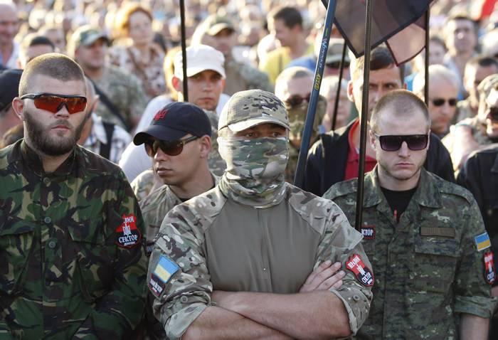 Украина культивирует безнаказанность: Радикалов поощряют к преступлениям в Донбассе