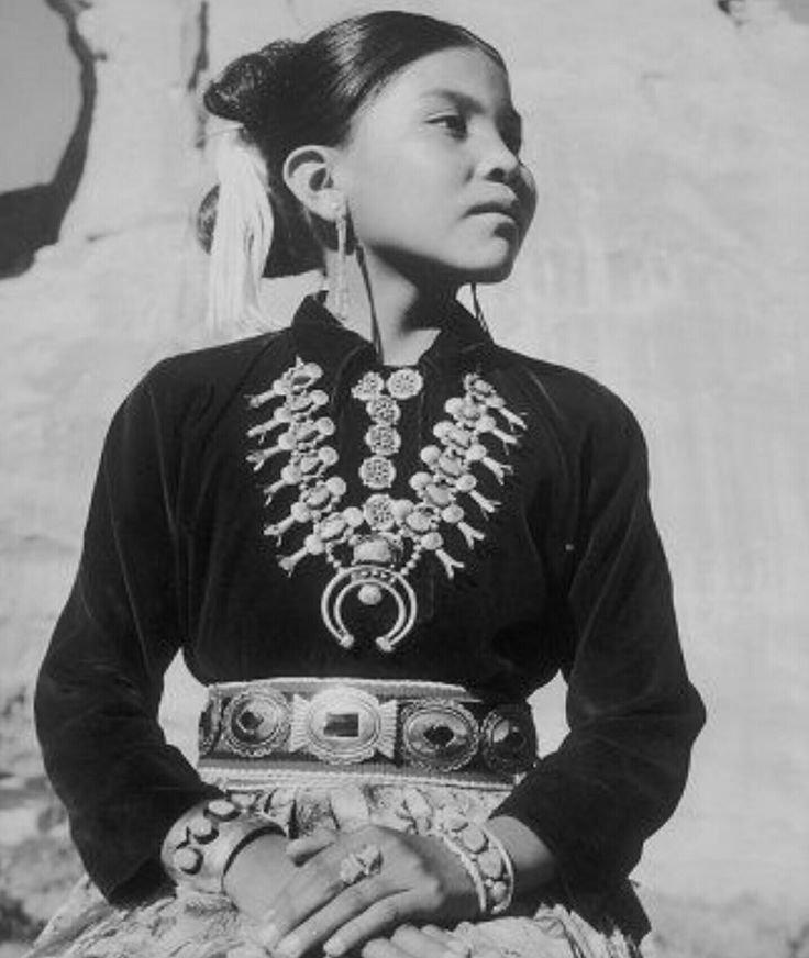 Молодая девушка племени Навахо женщины, индейцы, красота, племена, прерии