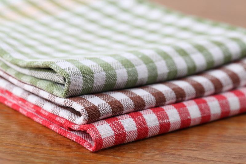Как обновить засаленные кухонные полотенца, чтобы вернуть им магазинный вид