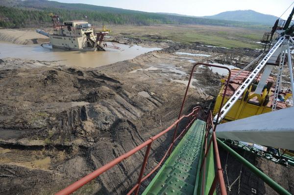 Россия заняла второе место в мире по добыче золота
