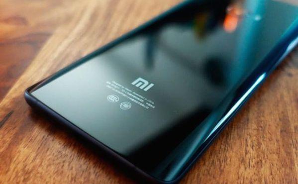 Смартфон Xiaomi Mi 7 показался на первых фотографиях
