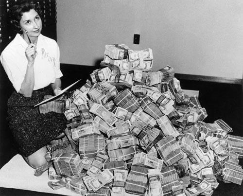 А я этого достойна? Что мешает женщинам стать богаче