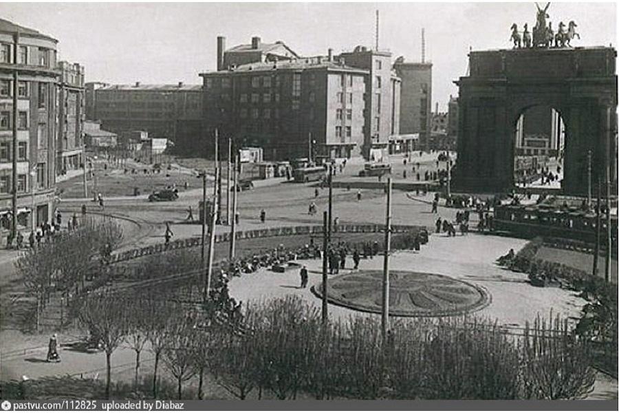 Ленинград. Площадь Стачек 19…