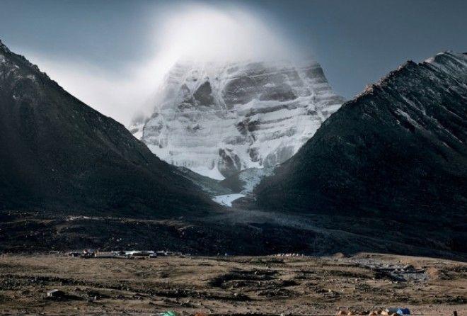Гора Кайлас - сердце мира, ось земли и центр вселенной