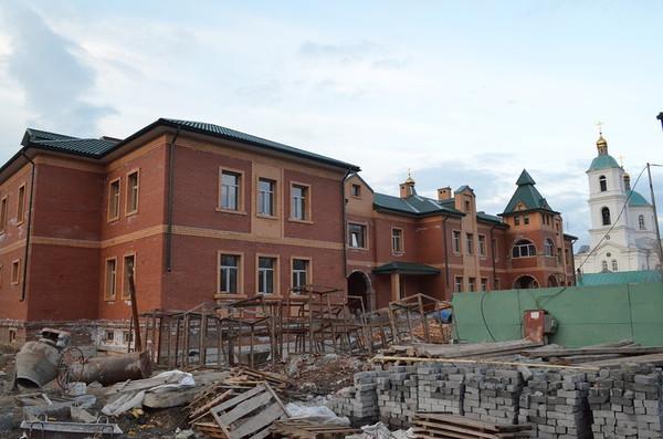 Скромный дом митрополита или почему я не жертвую на строительство храмов РПЦ, бомбануло, дом митрополита, омск, длиннопост