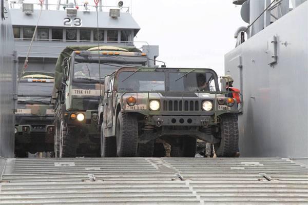 Военный бюджет США слишком раздут, но надо раздуть ещё
