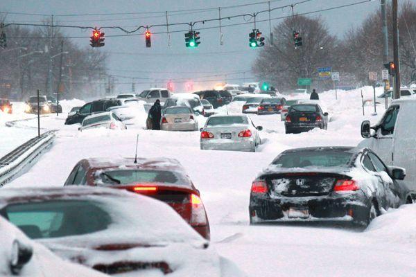 США ввели новые санкции против России и забрали весь снег себе.