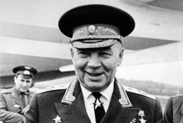 Как генерал Маргелов гонял поваров в солдатских столовых
