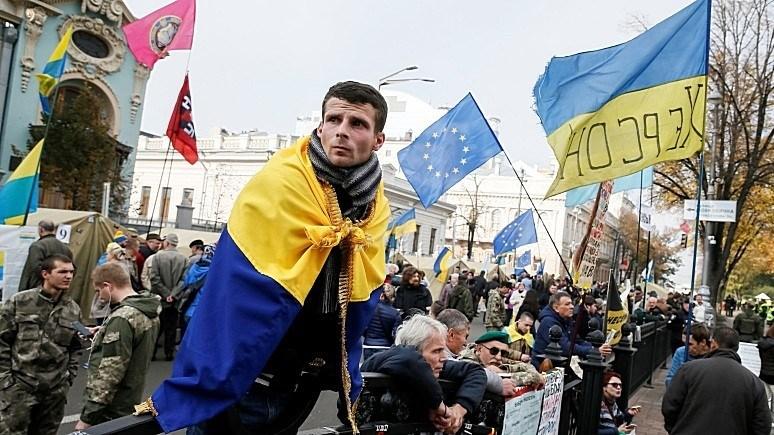 Майдан в Киеве разрастается в астрономической прогрессии