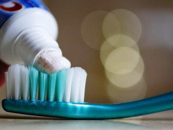 Нецелевое использование зубной пасты (13 способов)