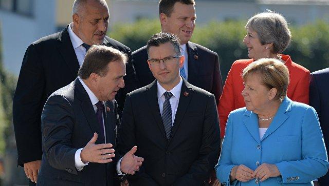 Меркель отказалась жать руку…