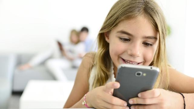 Бесконтрольное использование телефона негативно сказывается на зрении