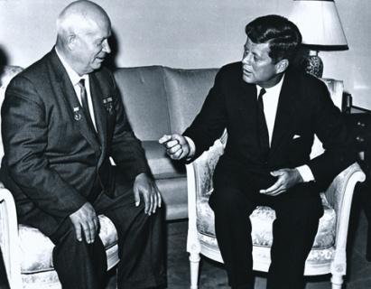Неподписанные мирные договоры. Как Никита Хрущев общался с Джоном Кеннеди