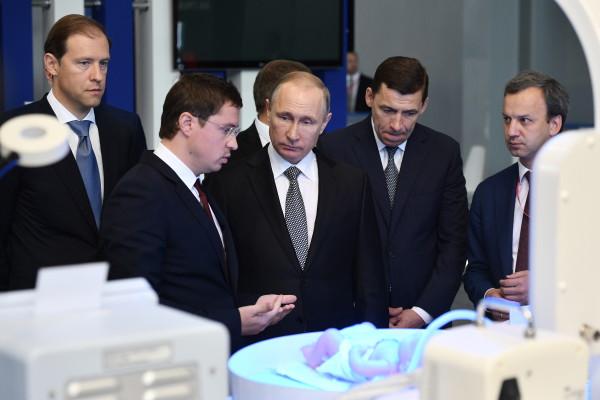 Путин на коне: мировые лидеры «присягнули» России