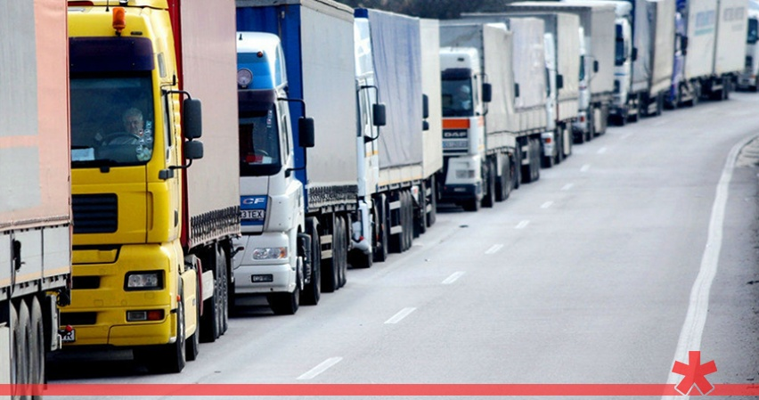 Пуск грузовиков по Крымскому мосту не снизит цены на полуострове - эксперт