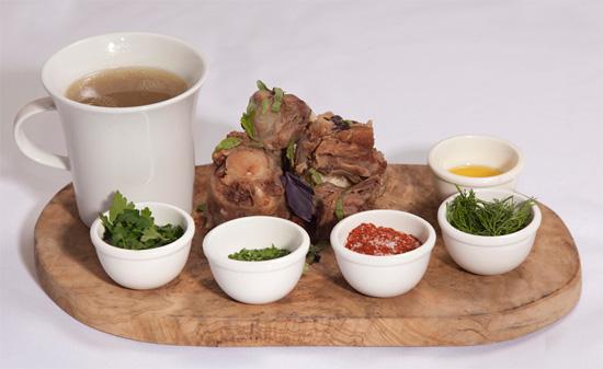 Суп из бычьих хвостов в ресторане  «Мясо»