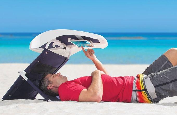 Пользоваться гаджетами на пляже станет удобно