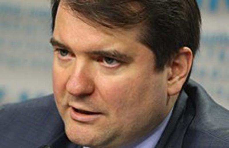 Корнилов: Украина запросто изменит Конституцию ради размещения военных баз США