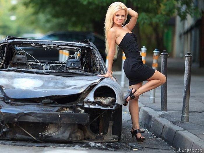 Дамы и автомобили.