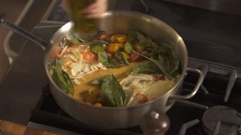 паста с оливковым маслом