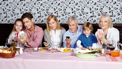 21 правило использования смартфона за ужином