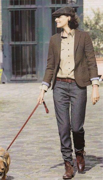 Выбирая брюки, обратите внимание на посадку. Здесь не столько стиль французский шик, сколько Гаврош — модный унисекс