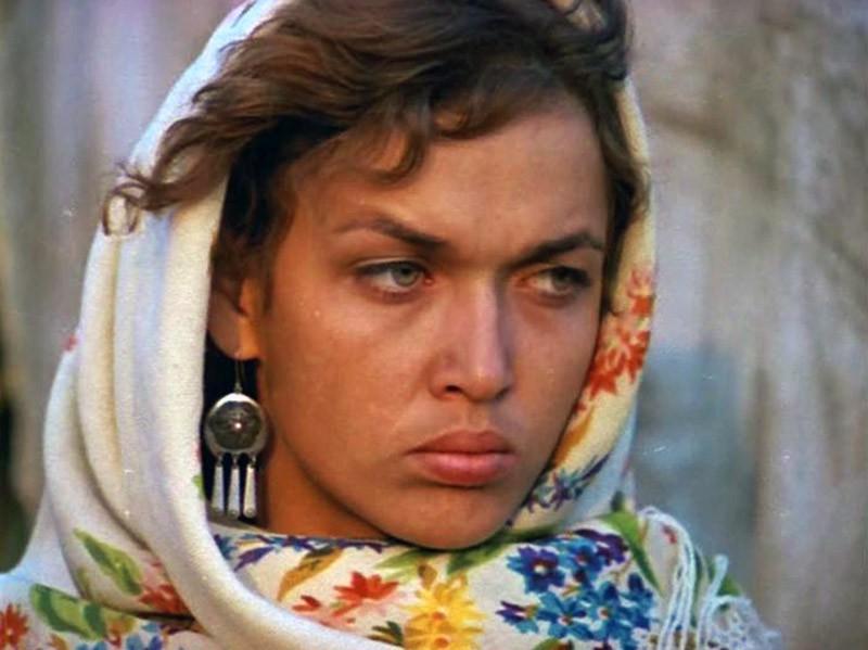 Пропавшая звезда картины «Цыган» живет совершенно одна в нищете и мечтает вернуться в Россию
